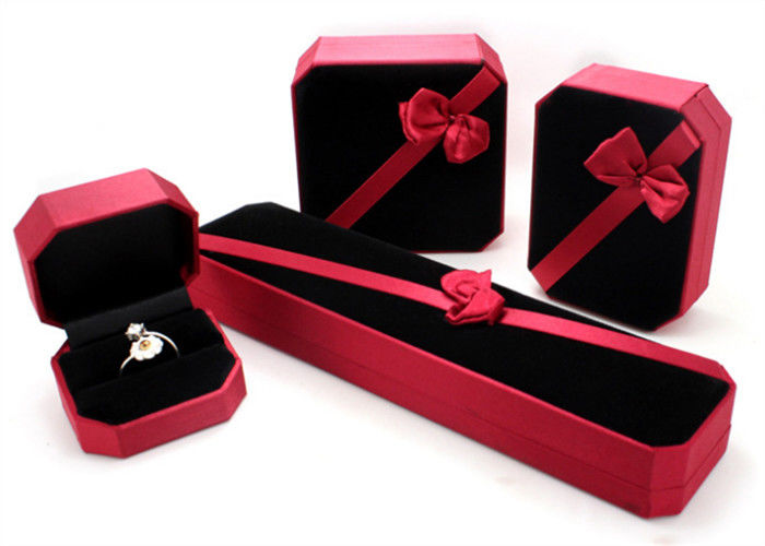 Femal Red Plastic Jewelry Box PU Leather With Ribbon Environmentally Friendly